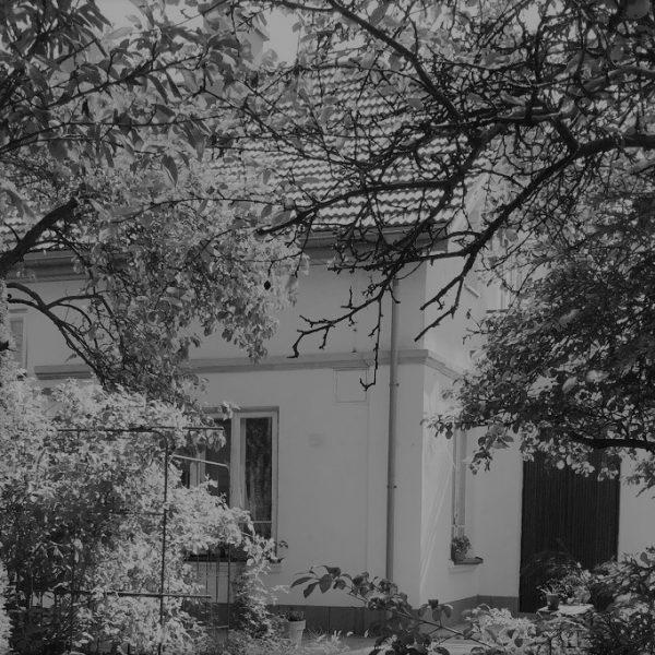 stary przedwojenny dom