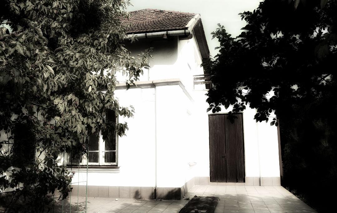 dom z lat trzydziestych ceramiczna dachówka marsylka