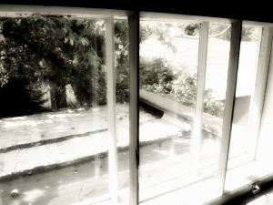 stary dom stare okna stara papierówka