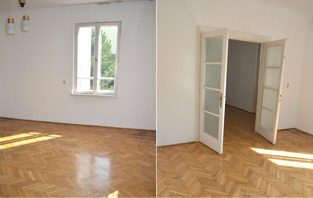 stary dom pokoje salon strefa dzienna drzwi dwuskrzydłowe parkiet dębowy w jodełkę