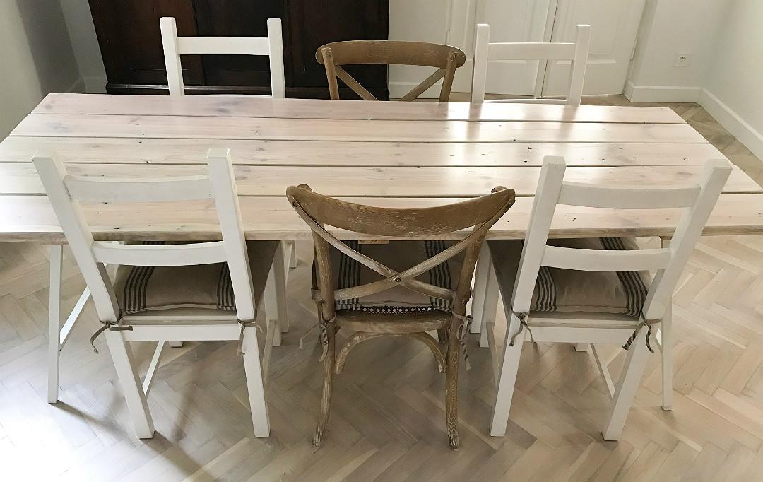 własnoręcznie robiony stół, drewniany blat, metalowe nogi, kozły