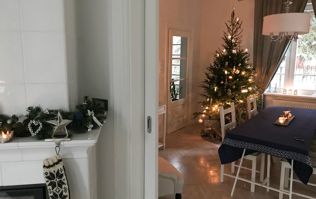 ozdoby świąteczne granatowe dom przystrojony na święta