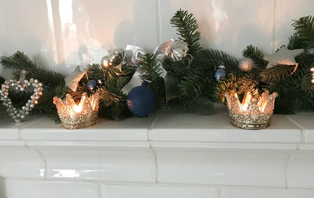 ozdoby dekoracje na kominku piecu kaflowym
