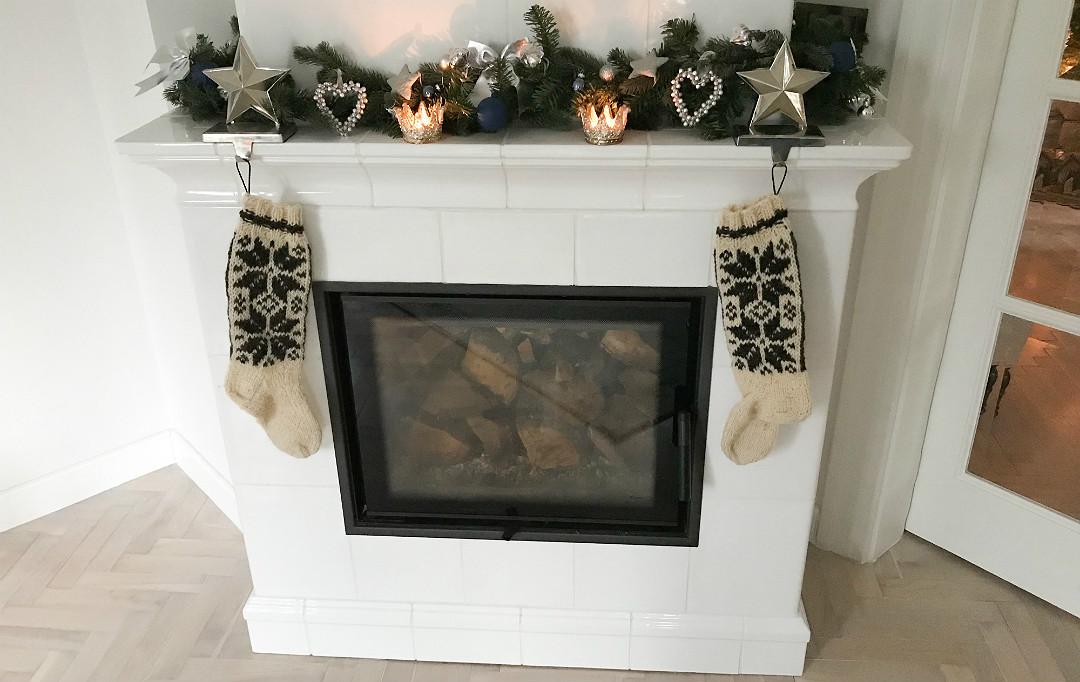 kominek świąteczne skarpety