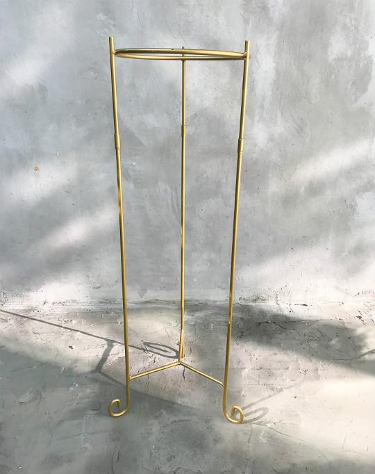 łup z targu staroci metalowy złoty kwietnik
