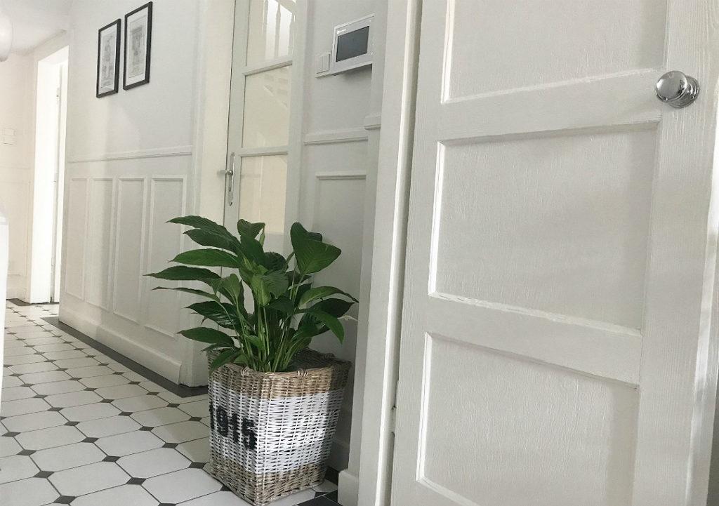 osłonka na kwiat malowany kosz wiklinowy z wikliny kosz w stylu Riviera Maison