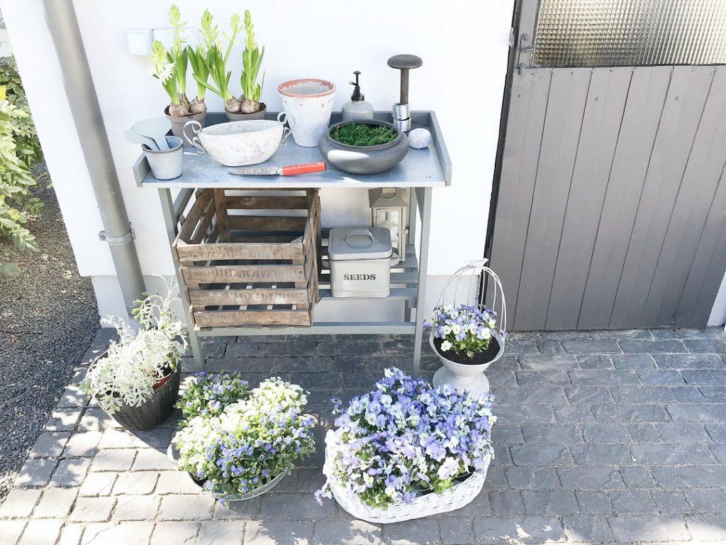 stolik ogrodowy, roboczy stół do ogrodu, stolik do przesadzania