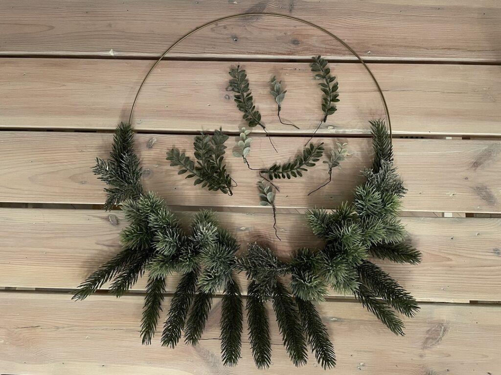 wieniec na kole, wianek boho, świąteczny wianek, zrób to sam, wianek krok po kroku