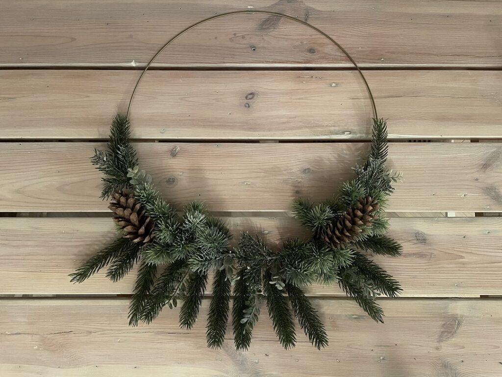wianek boho, świąteczny wianek, wianek na kominek, jak zrobić świąteczny wianek, wianek w stylu boho, jak udekorować dom na święta